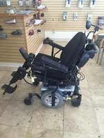 Used Pride Quantum Q6 Edge Power Chair - Like New